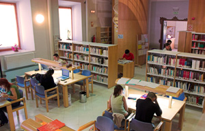 <p>Nuevo plazo para solicitud de evaluación final:</p>  <p>Las solicitudes de evaluación final podrán realizarse hasta el 20 de abril de 2020 mediante el formulario habilitado en la web de la Facultad de Filosofía y Letras</p>